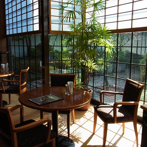≪レストラン≫眩しい光が差し込む中、爽やかな寛ぎtimeをお過ごし頂けます。