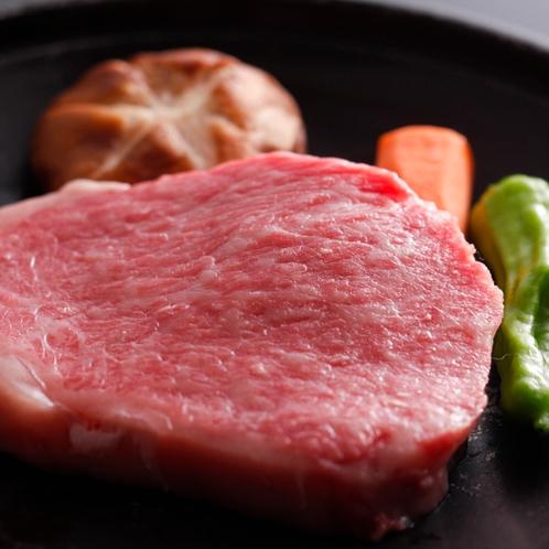 ブランド国産和牛の「但馬牛のステーキ」/例