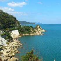 美しいリアス式海岸の奈具海岸