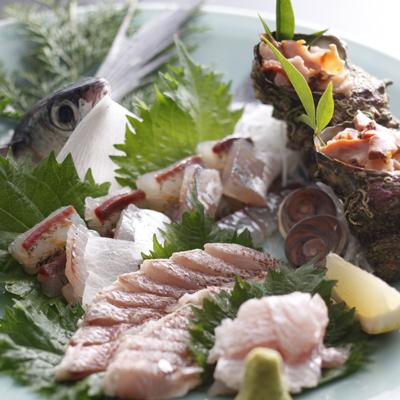 その時々、旬の魚貝類を。