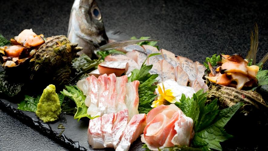 【地魚造り盛り】新鮮な海の幸を味わってください