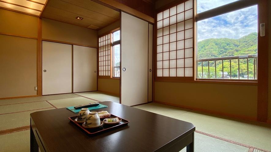【和室15畳】団体様でも十分広いお部屋です