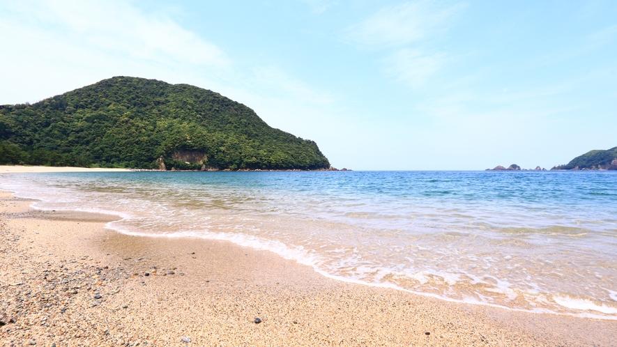 佐津海岸は綺麗な砂浜