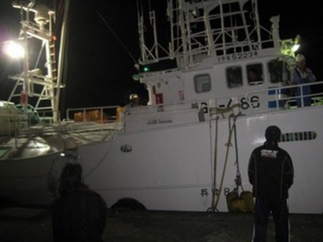 かに漁船出漁1