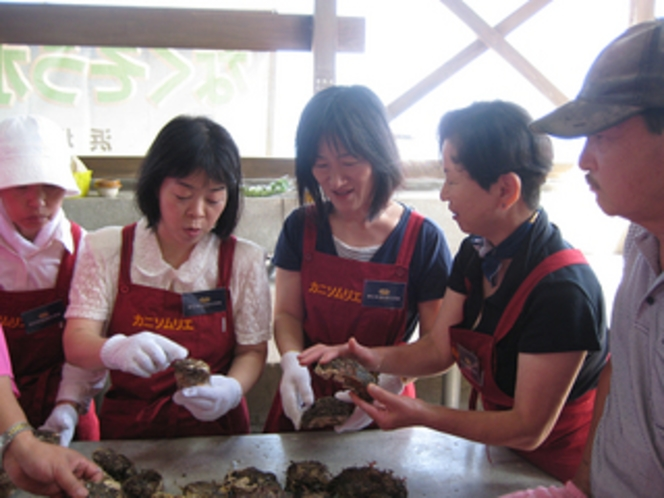 岩牡蠣とカニソムリエ