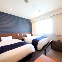 最上階のツインルーム 17.3㎡ 清潔デュベスタイル 幼児2名までなら添い寝も可能