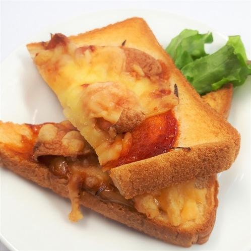 手作りピザパン 毎日ではございませんが、手作りピザパンのご提供を開始致しました。