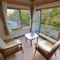 *【川側】和室10畳+広縁4畳(バス・トイレ付)お部屋の眼下には清流ゆびそ川が