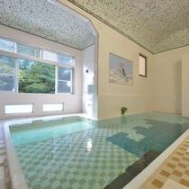 *大浴場/昭和初期そのままの造りの浴室