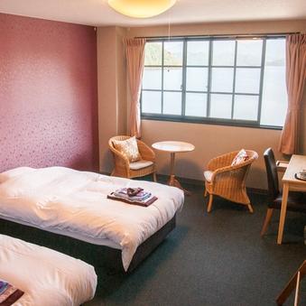 3階洋室☆水月湖側☆ベッドルーム(バス・トイレ付)