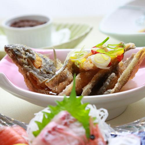 人気の一品カレイの唐揚など美味しい海の幸をお楽しみください♪