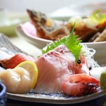 旬の海の幸を、少しずついろいろと味わいたい方におすすめ!