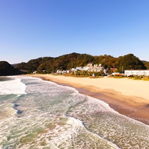 水質ランクAA。入田浜は透明度が抜群です