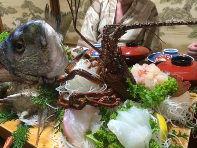 とーちゃんが釣ったシラッ鯛&伊勢えび活き造り