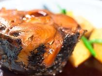 珍味!食べ応えのあるマグロの尾の煮付けが美味しい!