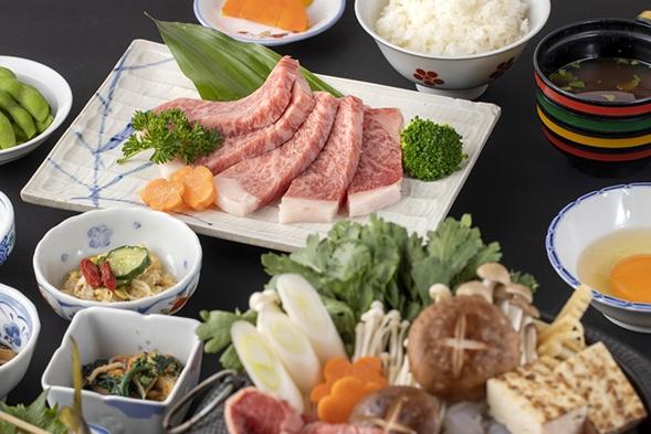 【広間でお食事】選べる特選黒毛和牛メイン《ステーキ OR すき焼き》+地魚3点盛り♪