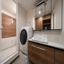 トリプルルーム バス・洗面台