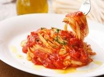 うどんパスタ「トマトソース」