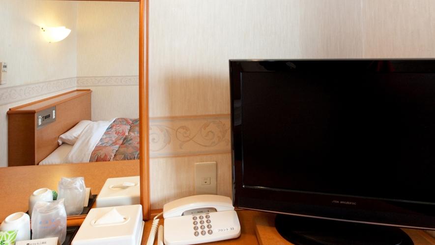 全室、無料Wi-Fi、 有線LAN高速ネット接続可