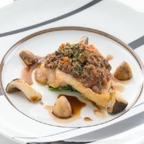 【フレンチプラチナコース】黒毛和牛フィレ肉の美食家風 ロッシーニスタイル 一例