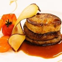 【最上級和洋会席 牛フィレ肉のステーキ フォアグラ添え】 一例