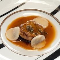【最上級和洋会席】フォアグラのポワレ グリンペッパー風味 一例