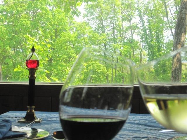 赤・白ワインで乾杯