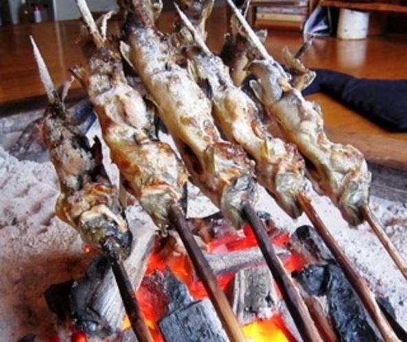 イワナの串焼き
