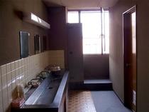 3階共同洗面所