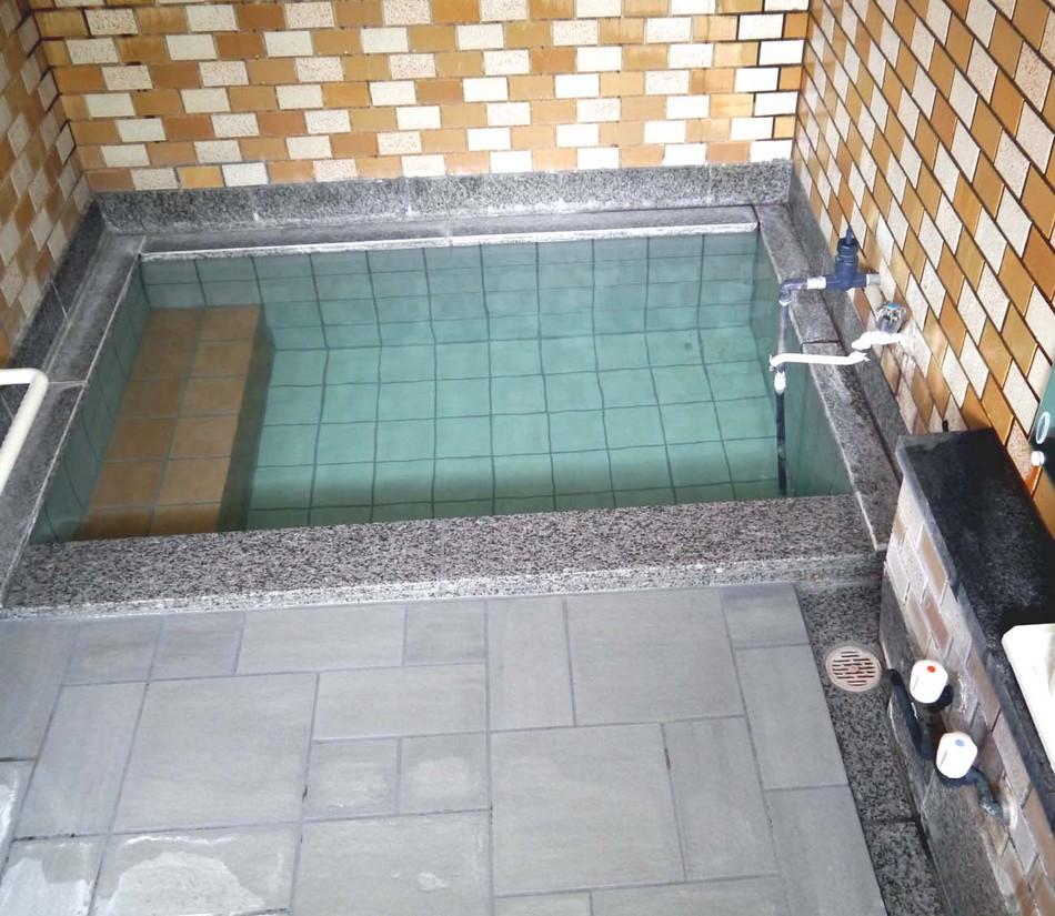 男子浴室3