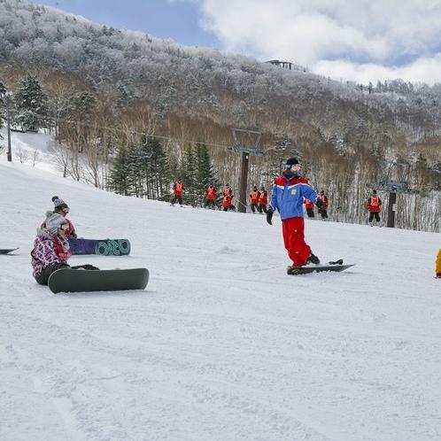 当館は志賀高原の中央エリアに位置する好立地。スキー場までアクセス抜群です。