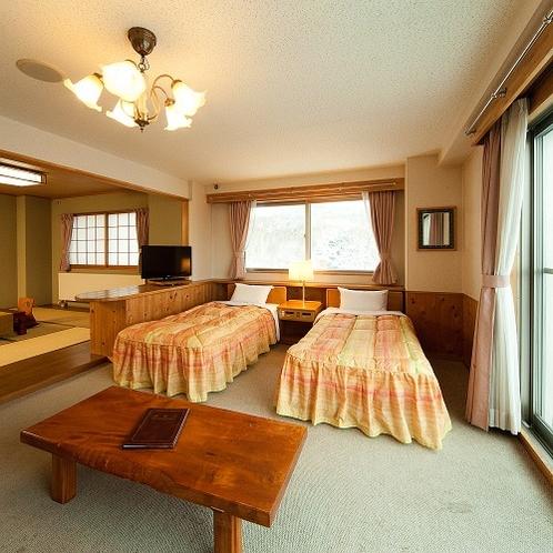 限定1室【特別展望室】志賀高原の自然を眺めるお部屋からの景色をお楽しみくださいませ。