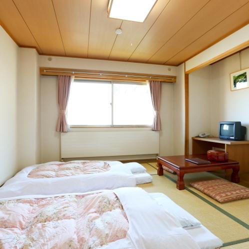 和室8畳 お布団を敷いてごゆっくりお休みください。