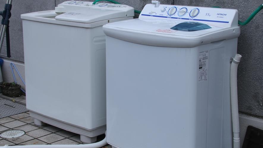 当館の洗濯機は無料でご利用可能です。