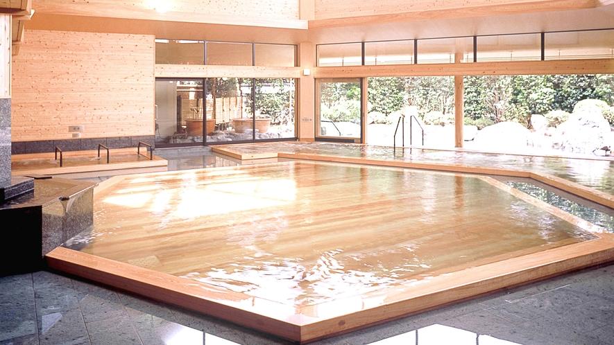 夢殿 一の湯 六角大風呂