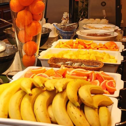 フルーツもたくさんあるよ(朝食)