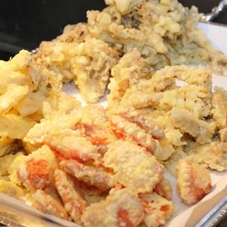 出来たてが食べられる天ぷら(夕食)