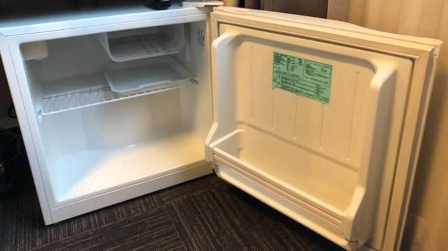 ◆空の冷蔵庫です