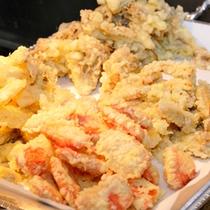 揚げたてを食す天ぷら(夕食)