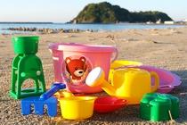 海岸で水遊び