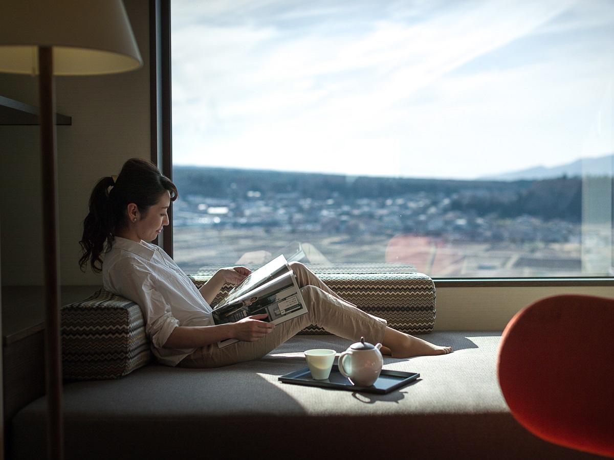 【禁煙】細流亭グランビュージュニアスィート/デイベッドで寛ぐひととき<富士山眺望>