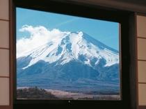 角部屋から望む富士山