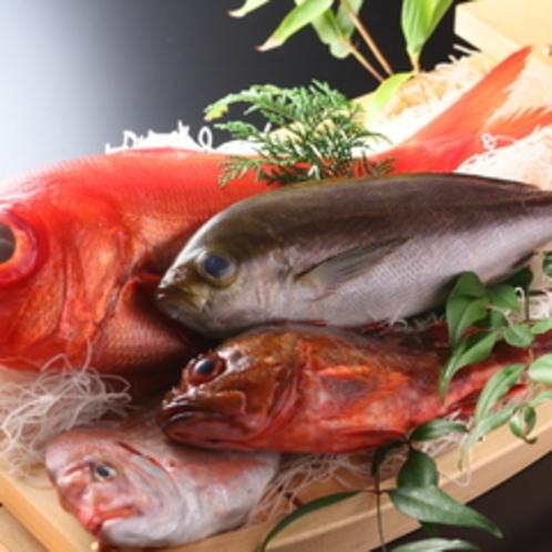 【ご夕食一例】新鮮な魚介類をふんだんに