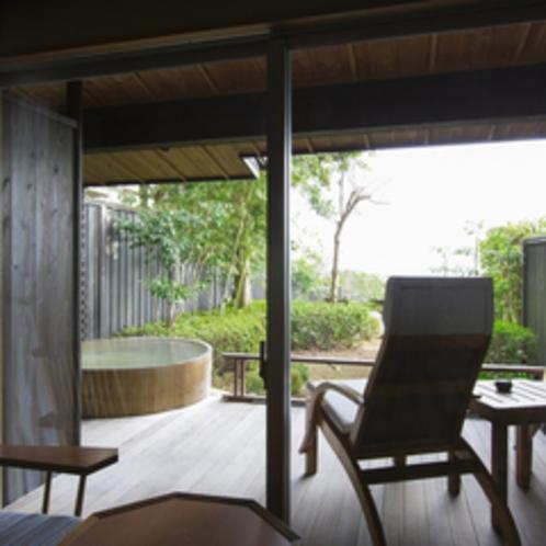 【檜】海を臨むプライベート露天風呂付客室、和室10畳。
