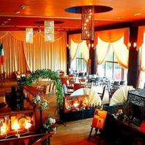 【Cafe&Restaurant Bar CHANTANT】店内
