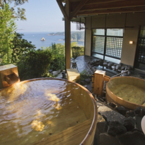 【五山の湯】木の温もりに包まれながら、源泉かけ流しの名湯による保湿効果が美肌を作ります。