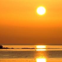 【志津川湾の日の出】