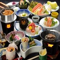 【夕食料理 夏(一例)】鮑の踊焼きを含む海鮮御膳(約13品)