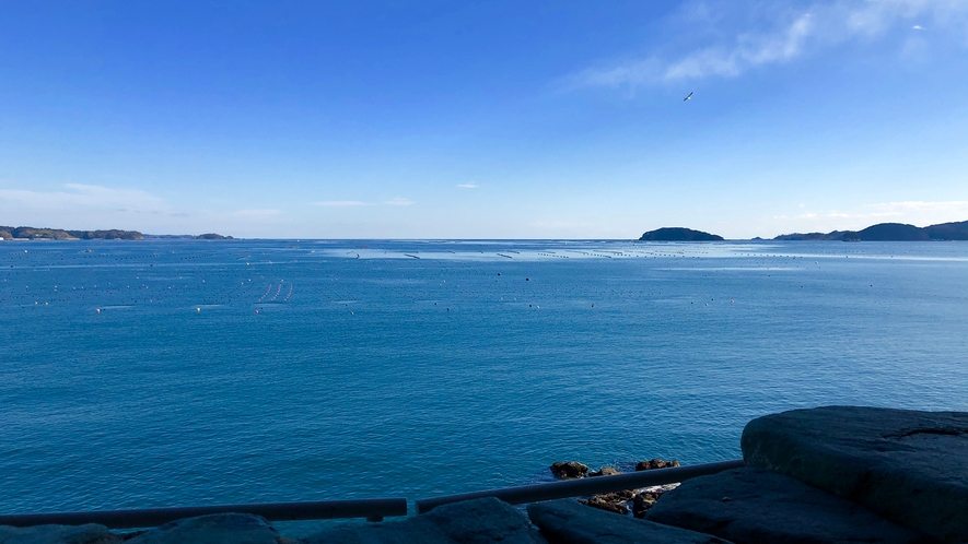 露天風呂から見える志津川湾!