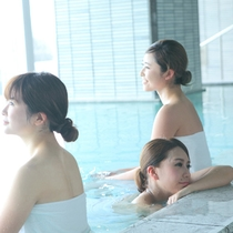 大浴場ではお友達とゆったり癒されませんか?